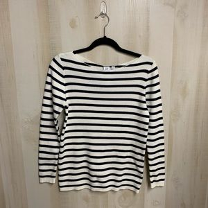 ✨3 for 20✨Gap Navy Stripe Sweater Size M